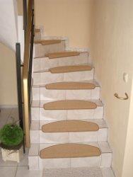 Steintreppe vor der Renovierung